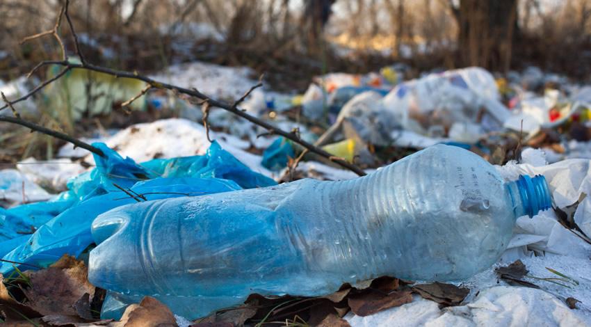 Las Botellas De Plástico Son Una Amenaza