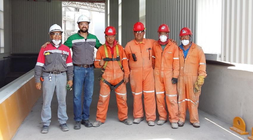 Equipo STAAR Ayuda A Manejar Residuos De La Industria Automotriz.